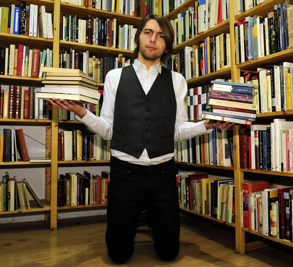 Madrid. 24-01-2012 --- El escritor Juan Soto Ivars en la librer